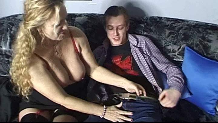 Mature mom seduced by sons friend