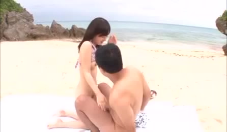 Nasty Teen In Pink Flowered Bra Gets Her Piece Of Hard Dick Along The Beach.