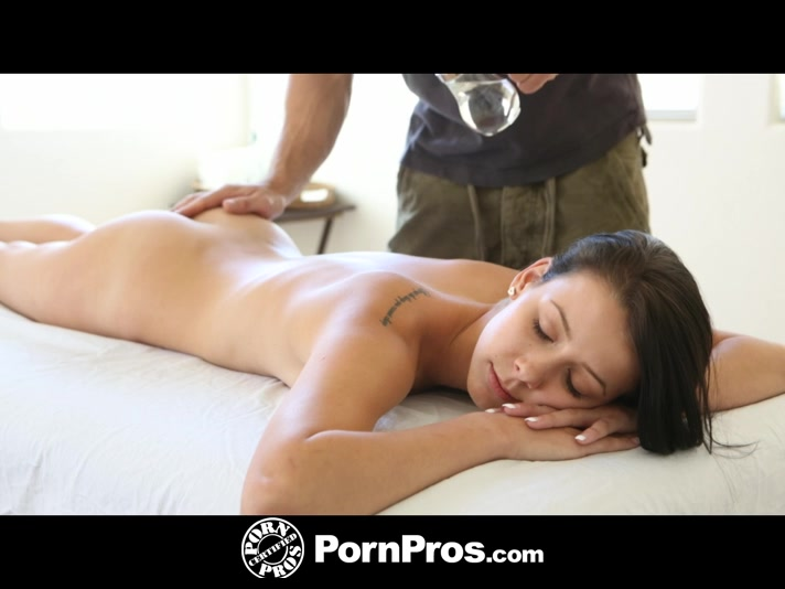 Skinny Chick Washes Her Pussy As She Takes A Shower Then Makes Out With Her Stud Masseur Before She Takes Off Her White Leggings And Lays Prone On A White Bed Then Lets Him Pour Oil On Her Back And Give Her A Massage Before She Turns Around And Lets Him R