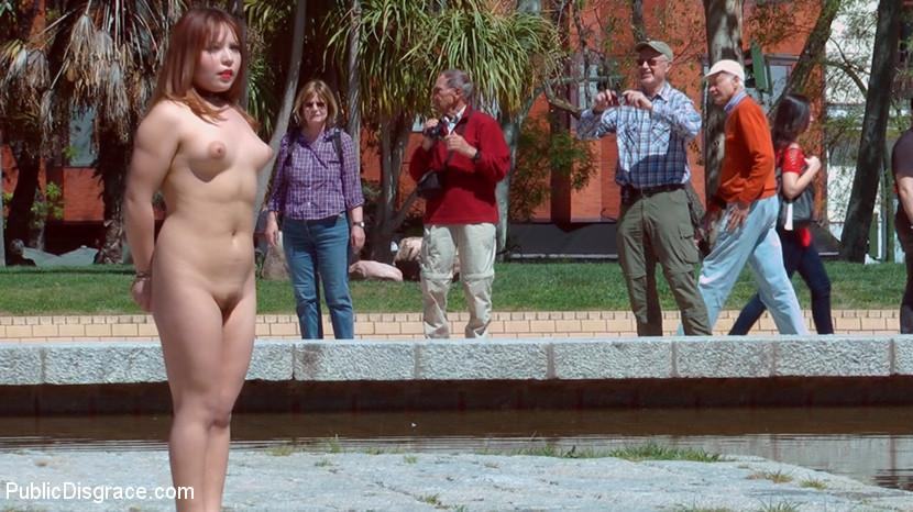 Accidental Passers Are Happy To Admire Naked Submissive Gal