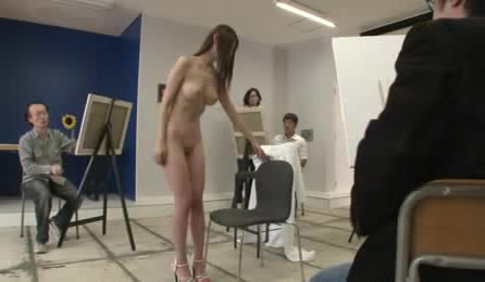 Artists Get Horny By Watching Young Girl Posing Fully Naked For Their Pictures