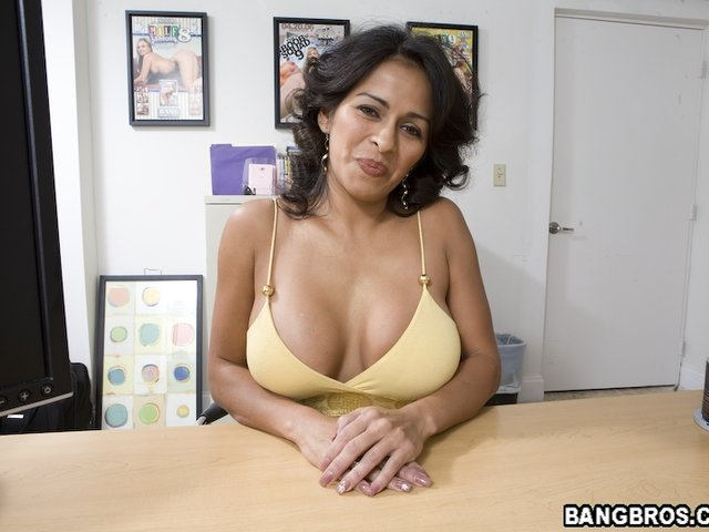Colombian naked mature milf